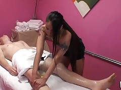 Gentle tugjob and oral sex sex performed during massage
